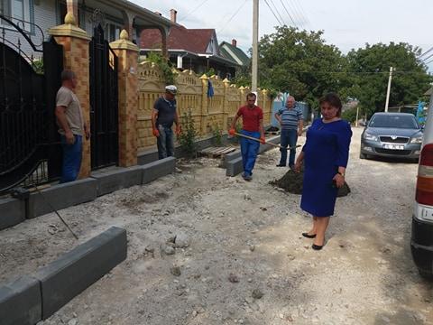 O nouă stradă din satul Costești a început a fi construită
