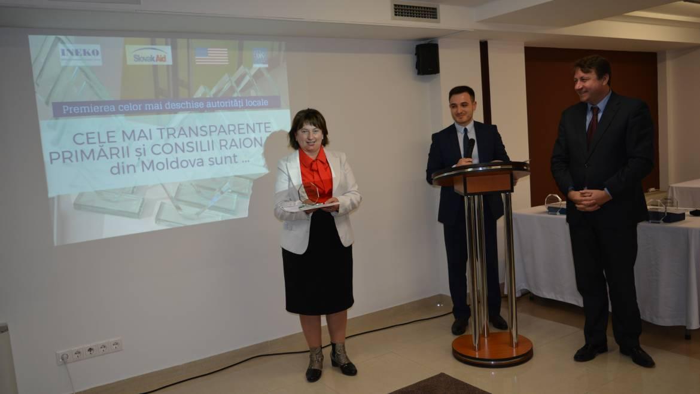 IDIS-Viitorul a premiat Primăria satului Costești pentru bune practici în asigurarea transparenței