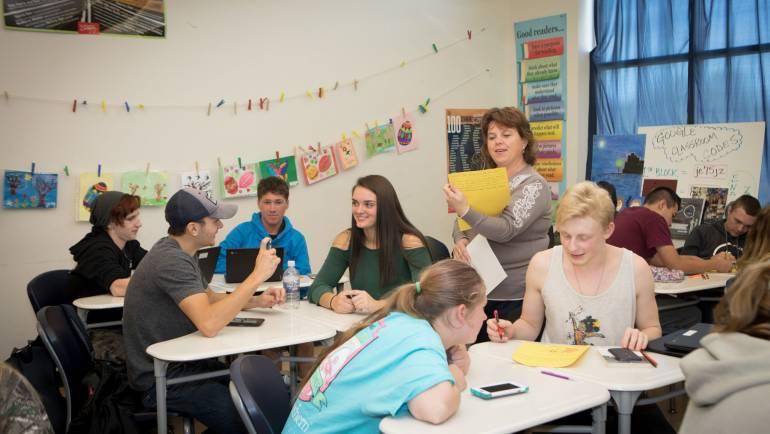 Natalia Borta-profesoara din Costești, care studiază metode pedagogice internaționale și le aplică acasă