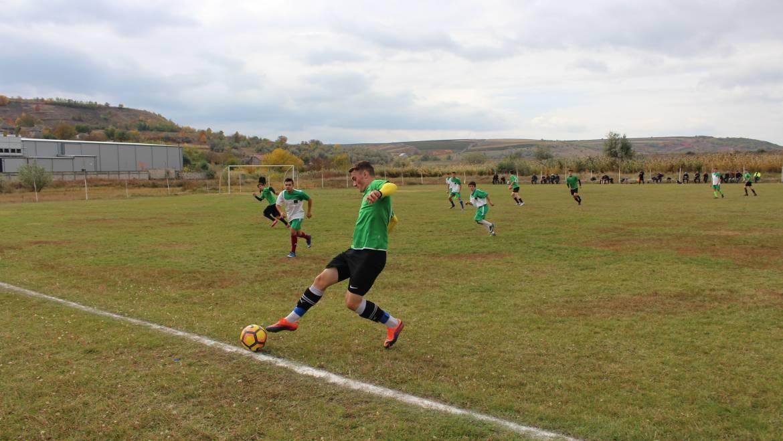 Microbiștii din Costești sînt invitați să susțină echipa satului la cel mai important meci din cadrul Campionatului Raional la Fotbal