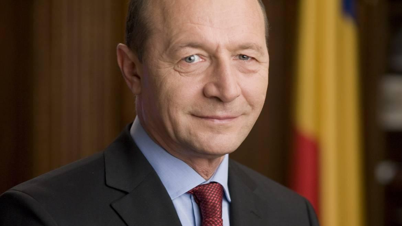 Costeștenii sînt invitați la întîlnire cu Traian Băsescu, fostul președinte al României
