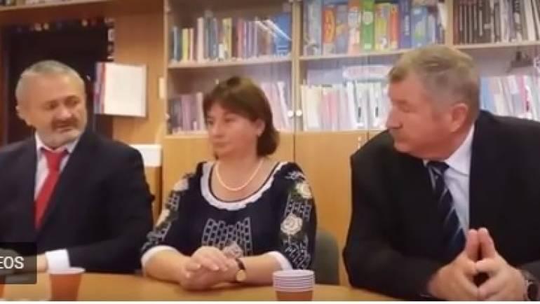 """Profesori de pe ambele maluri ale Prutului, din Bacău și Costești, implicați în proiectul """"Profesorul secolului XXI"""""""