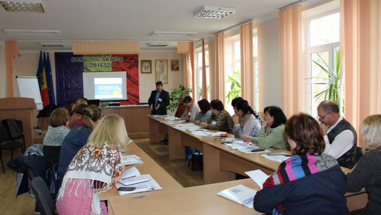Training pentru funcționarii Primăriei Costești privind audierile publice și managementul finanțelor publice