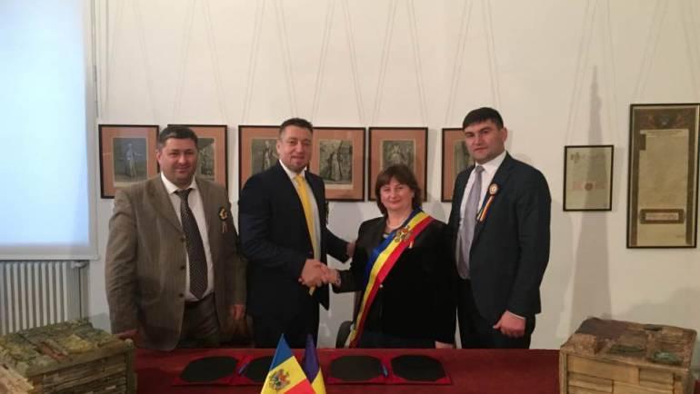 De ziua României, satul Costești a semnat un acord de colaborare cu orașul Chitila