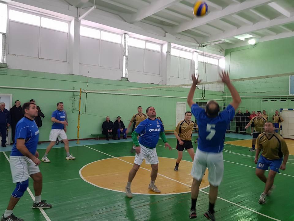 Se anunță desfășurarea Campionatului local la volei pentru bărbați