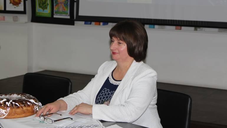 """Natalia Petrea – primarul de la Costeşti la """"Clubul Impresii din viaţă şi cărţi"""""""
