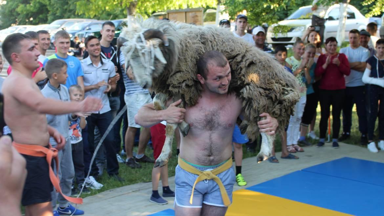 """Rezultatele competițiilor sportive cu ocazia """"Hramului satului 2018"""""""