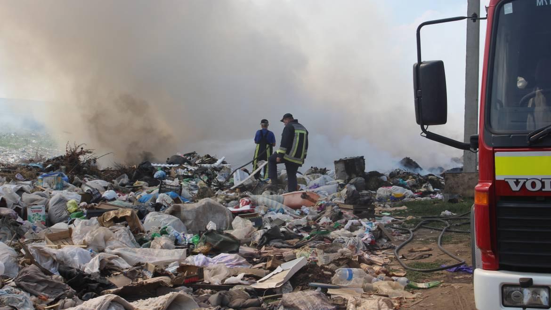 Incendii provocate la gunoiștea din satul Costești! Se caută făptașii!