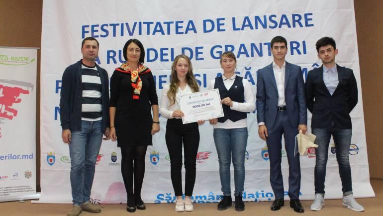 Două inițiative ale tinerilor din Costești au primit suport financiar din partea FpT Ialoveni