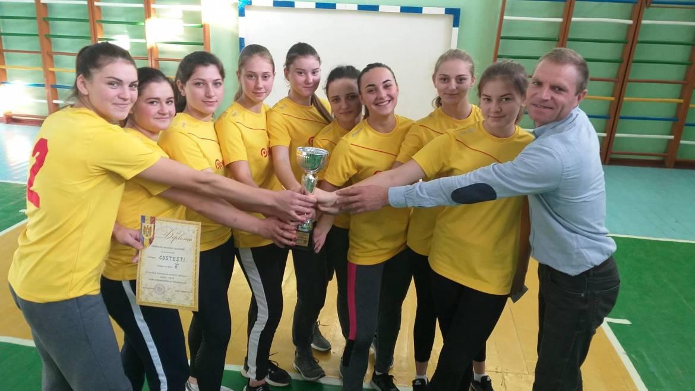 Echipa satului Costești de fete la bachet a cîștigat locul II