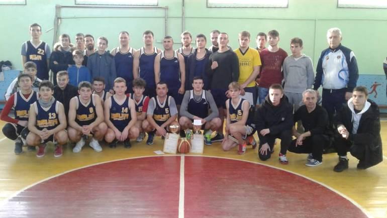 Echipa de băieți din Costești a cîștigat locul I la Baschet (seniori)