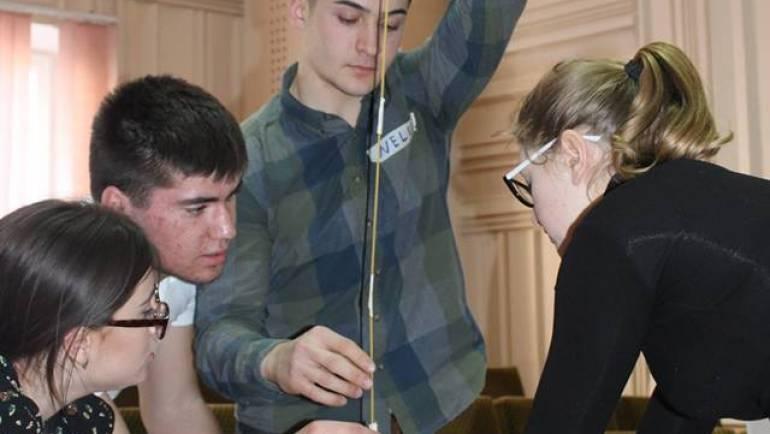 Instruire despre noțiunile de bază ale antreprenoriatului și idei de afaceri pentru tineri