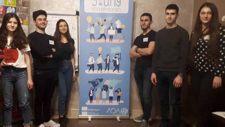 Tineri din șase țări susțin un proiect Erasmus+ în Bacău