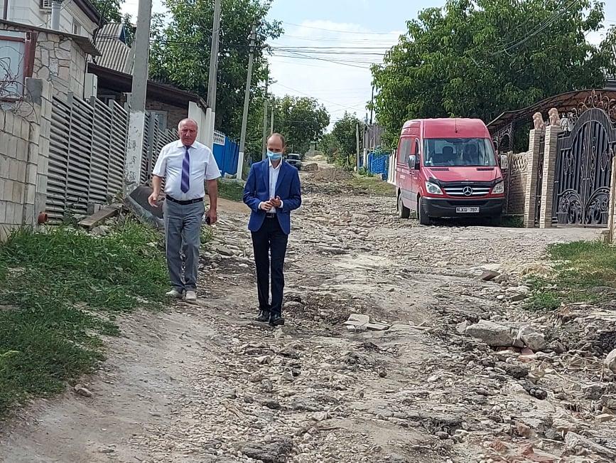 Vizita vicepreședintelui raionului Ialoveni și a unui deputat în satul Costești