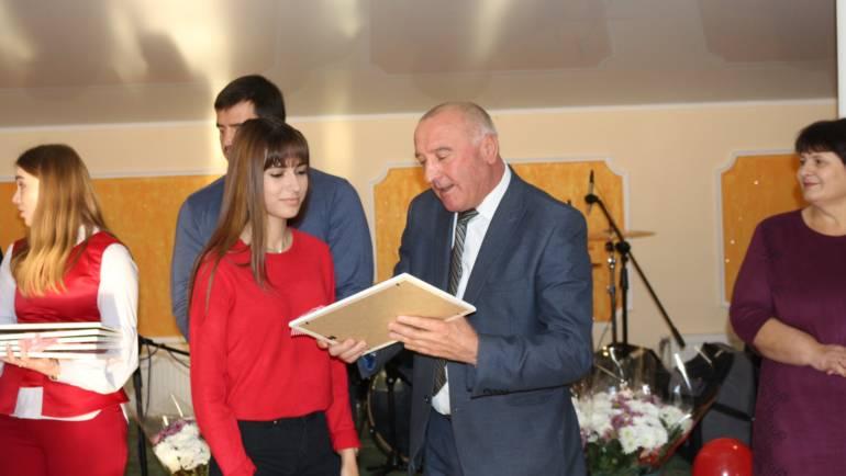 Mesajul primarului satului Costești, cu ocazia Zilei Internaționale a Tineretului